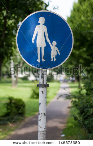finland-pedestrian-walking-route-sign